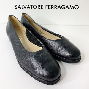 SALVATORE FERRAGAMO Black Leather Boutique Flats